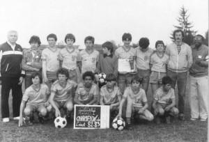Les Minimes de Sully sur Loire, Champions du Loiret 82/83. Pascal Loko à l'extrême droite.